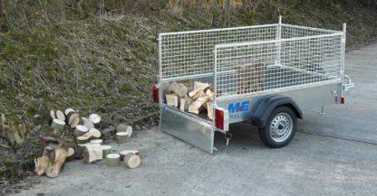M 7 E unloading logs