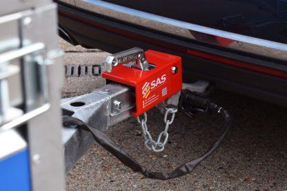 Trailer-Hitch-Locking-Trailer-on-to-Car-SAS-HL2-2320751-2-scaled